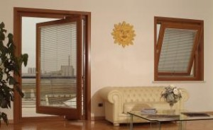 Finestra bilico in legno cecina for Finestra bilico