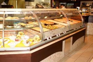 Arredamento pasticceria panetteria focacceria creperia for Arredare pizzeria