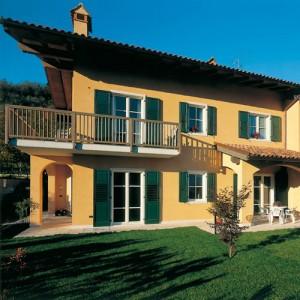 Soltende serramenti infissi porte finestre persiane for Serramenti pvc torino prezzi
