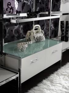 Arredamento di negozio di abbigliamento calzature for Arredamenti varese e provincia
