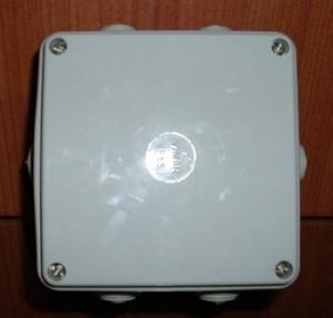Microcamera nascosta in scatola di derivazione Personalizzabile, versione telecamera a lato o di ...