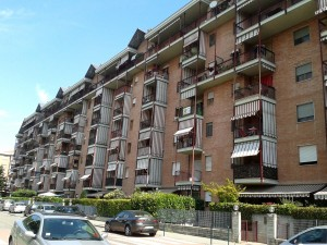 Grugliasco via cln appartamento trilocale con giardino for Affitti rivoli arredato