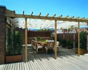 Pergole gazebi e posti auto grosseto for Arredo terrazza giardino offerte