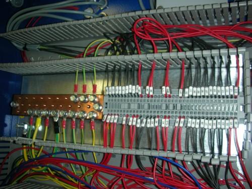 Schemi Quadri Elettrici : Cablaggio e collaudo quadri elettrici riccione