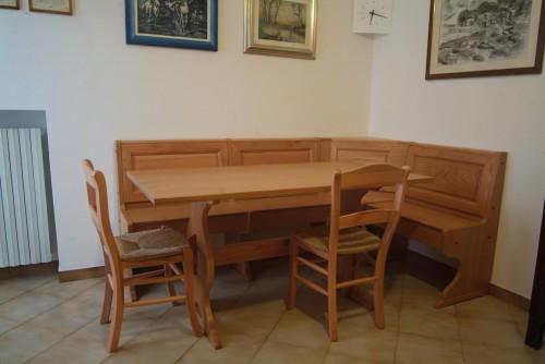 tavolo sedie e cassapanca san giorgio su legnano