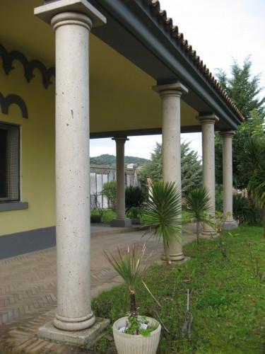 Marmi graniti e pietre s r l di pinna giangiacomo ozieri - Decorazioni pilastri interni ...