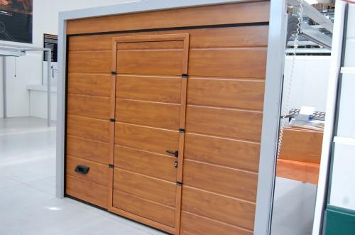 Porta pedonale per sezionali da garage con soglia ribassata : (Mozzecane)