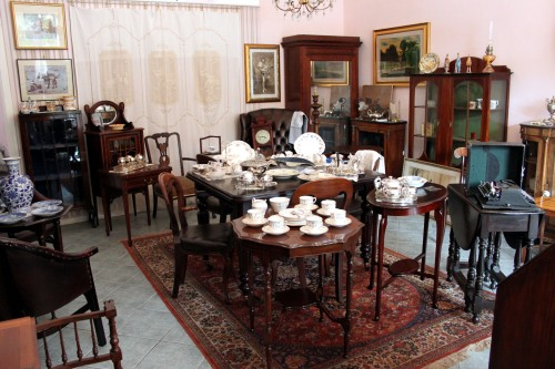 Arredare casa con mobili antichi e moderni with arredare for Arredare casa moderna con mobili antichi