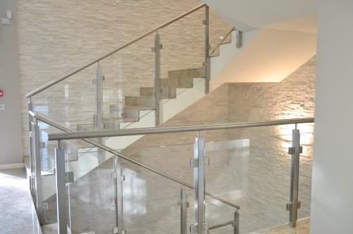 Turra armando scale parapetti pensiline ringhiere corrimano balustre serramenti in acciaio - Corrimano in vetro per scale ...