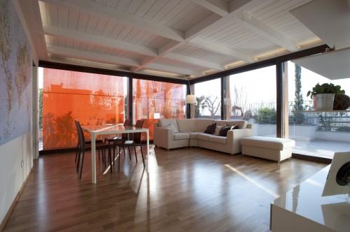 Copertura terrazza a veranda fossombrone - Idee per chiudere un terrazzo ...