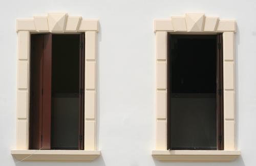 Cornici per finestre villafranca padovana - Cornici finestre in polistirolo ...