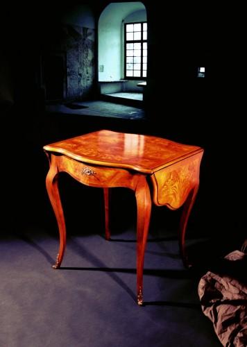 Vendo tavolino stile luigi xv in radica di frassino - Luigi xv mobili ...