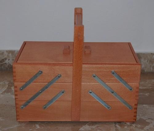 Porta cucito in legno 3 piani scuro grande santo stino for Piani di coperta in legno