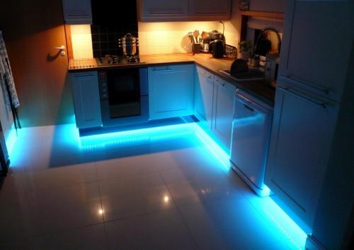 Vendita luci LED per vetrine, camper, touning, arredamento Strip ...