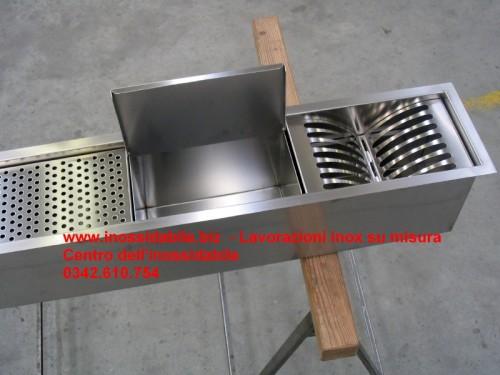 Canali attrezzati su misura in acciaio inox : (morbegno)