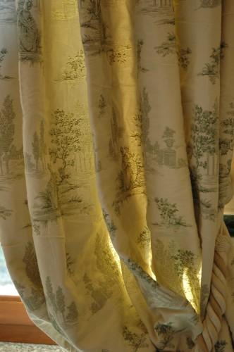 Dimore tessuti d 39 arredamento divani e tendaggi su misura for Tessuti arredamento inglesi