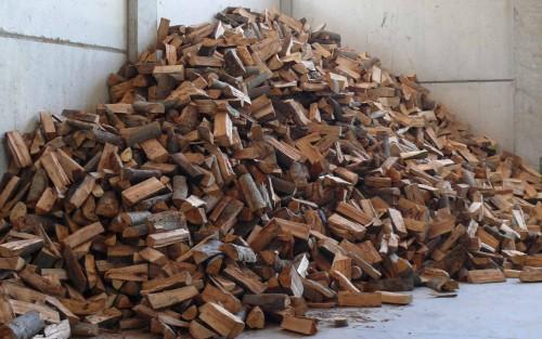 Legna da ardere secca tutto l 39 anno mornago for Legna da ardere prezzi
