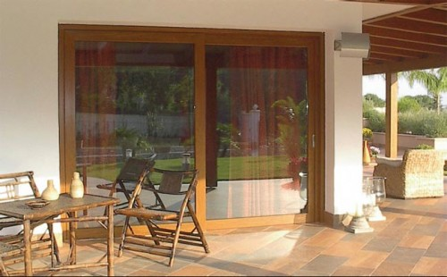 Porte finestre esterne pvc giurdignano - Capottina parapioggia per porte e finestre ...