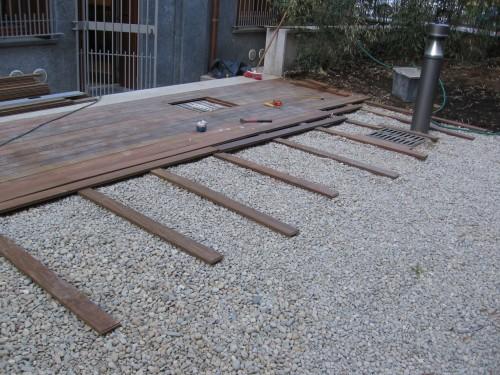 Legno per esterno milano for Divanetto in legno per esterno