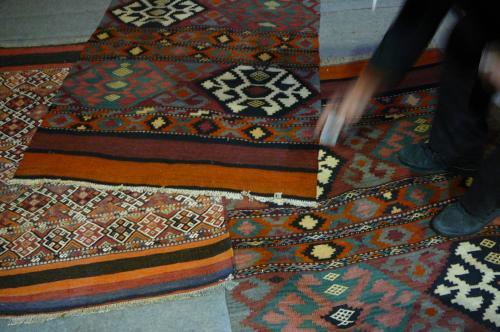 Tappeti Kilim Antichi : Prezzo lavaggio tappeti udine pulizia tappeti persiani udine