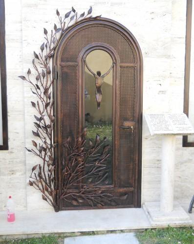 Porta per cappella roma for Porte in vetro per cappelle cimiteriali