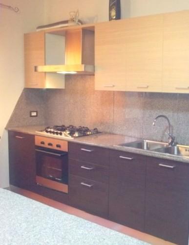 Top cucina e placcaggio in sienite siamaggiore - Placcaggio cucina ...