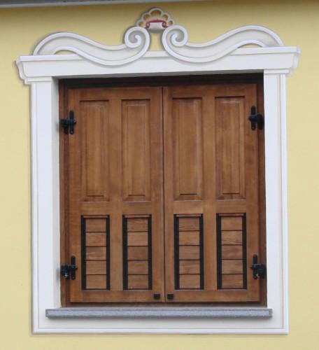 Decori finestre e porte pergine valsugana - Finestre e porte ...