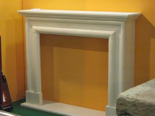 Camino Bianco In Pietra : Cornice caminetto marmo bianco casalserugo