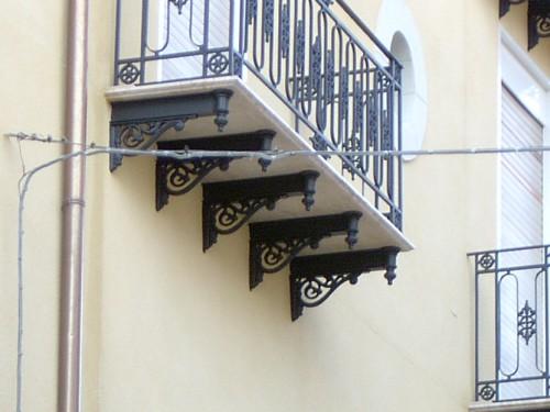 Reggimensola mensola cod 40 montelabbate for Mensole in ferro battuto