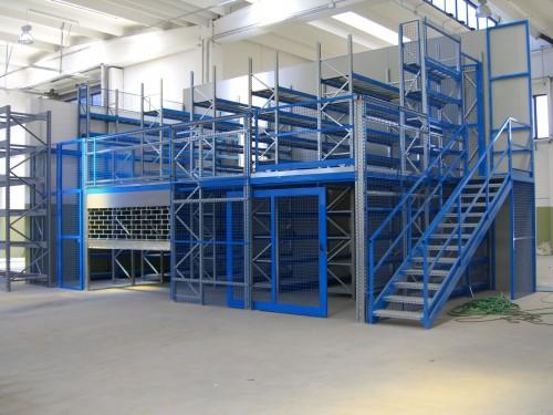 Soppalchi per ogni tipologia di capannone milano for Tettoia capannone con soppalco