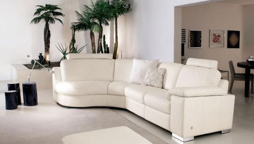 Pulizia divani in pelle 7 trucchi per farli durare pi a for Consales arredamenti