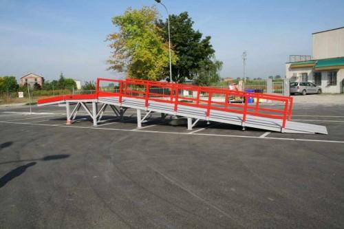 Tekno srl rampe per carico container parma for Rampe di carico per container
