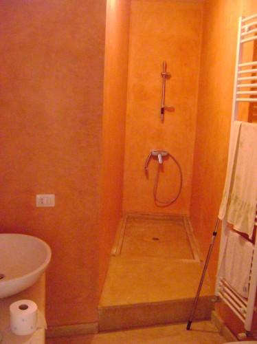 Bagni in cocciopesto specchia - Bagno turco fai da te ...