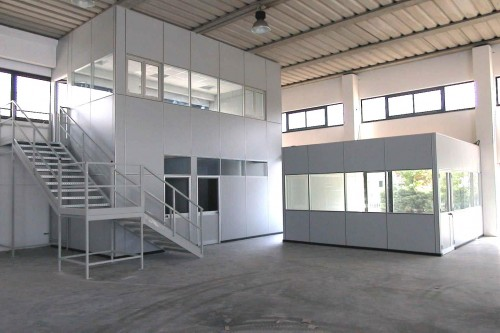 Pareti mobili per uffici e capannoni milano for Negozi mobili ufficio