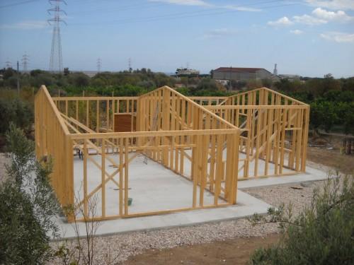 Trendy e permette di costruire a pi livelli grazie ai for Materiali necessari per costruire una casa