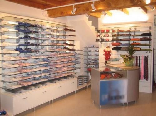 Pannelli dogati per arredamenti di negozi e uffici for Pannelli arredo negozi