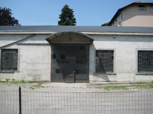 Barzano 39 capannone di 500 mq 600 di area esterna vendesi for Capannone di 144 mq
