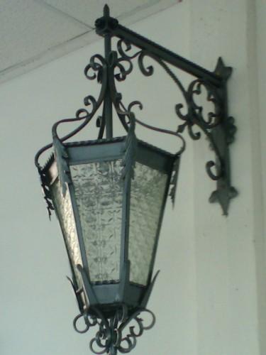 Lampadari in ferro battuto calci - Lampioni in ferro battuto da esterno ...