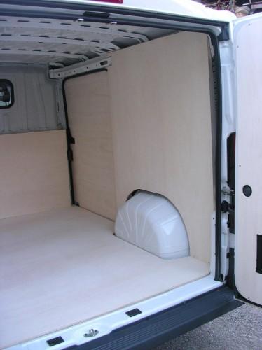 Rivestimento cassone furgone : (San Giorgio su Legnano)
