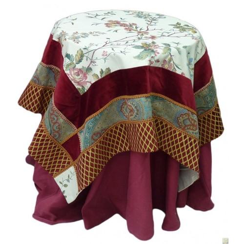 Copritavolo in velluto e tessuto etro santa maria for Etro arredamento