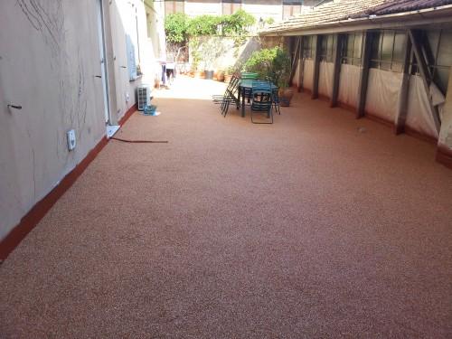 Pavimenti decorativi per esterno moretta - Pavimento in resina per esterno ...