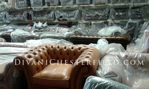Divani chesterfield e poltrone chester noleggio e for Vendita divani usati