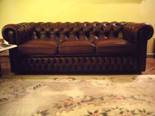 Divano Chester Vintage Usato : (Riano)