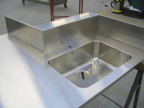 Lavorazione acciaio inox su misura morbegno for Scatolati in acciaio inox