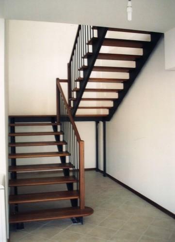Legno scale e arredamenti su misura montelabbate for Passatoie per scale legno