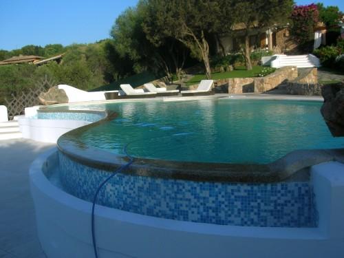Bordo e pavimentazione monreale for Pavimentazione della piscina