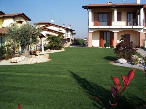 Garden designer progettazione realizzazione giardini aree for Prato zolle