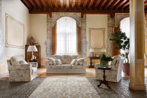 Divano otello class cordignano for Salotti eleganti classici