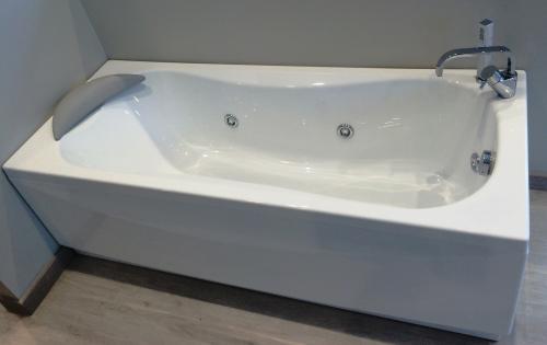 Vasca Da Bagno Novellini Calypso : Vasca novellini idromassaggio calipso moncalieri