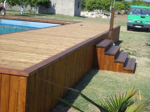 Piscina fuori terra con solarium priolo gargallo - Realizzazione rivestimento esterno piscina fuori terra ...